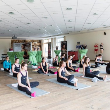 anita active yoga